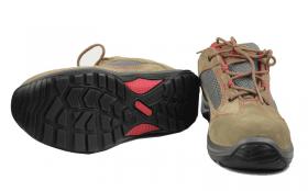 常见劳保鞋鞋底哪个比较好?